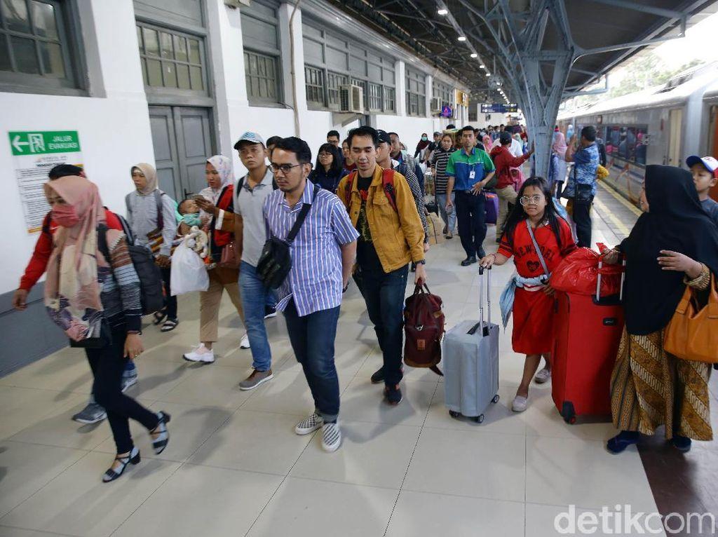 PT KAI: 50% Warga Jakarta Akan Kembali Setelah H+10 Lebaran