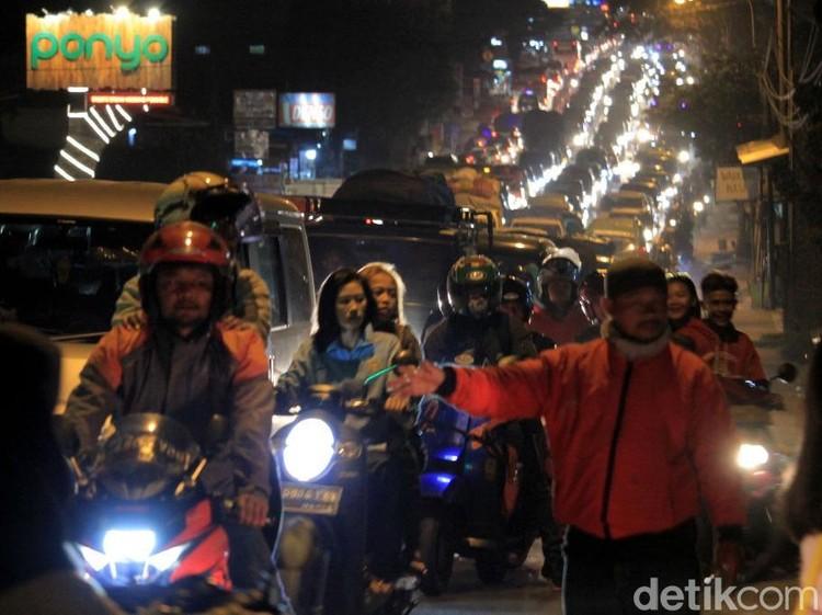 Sepeda Motor Dominasi Arus Balik di Kawasan Bekasi