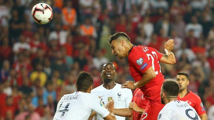 Turki kalahkan Prancis 2-0 dalam lanjutan Kualifikasi Piala Eropa 2020 (REUTERS/Gokhan Kilincer)