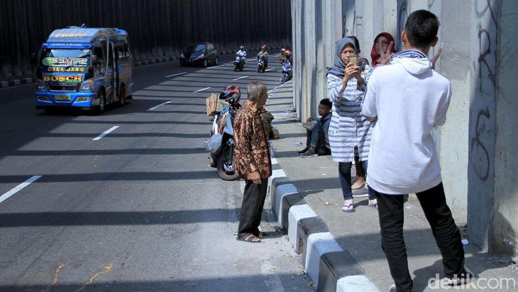 Antisipasi Macet, Warga Dilarang Selfie di Terowongan Lingkar Nagreg