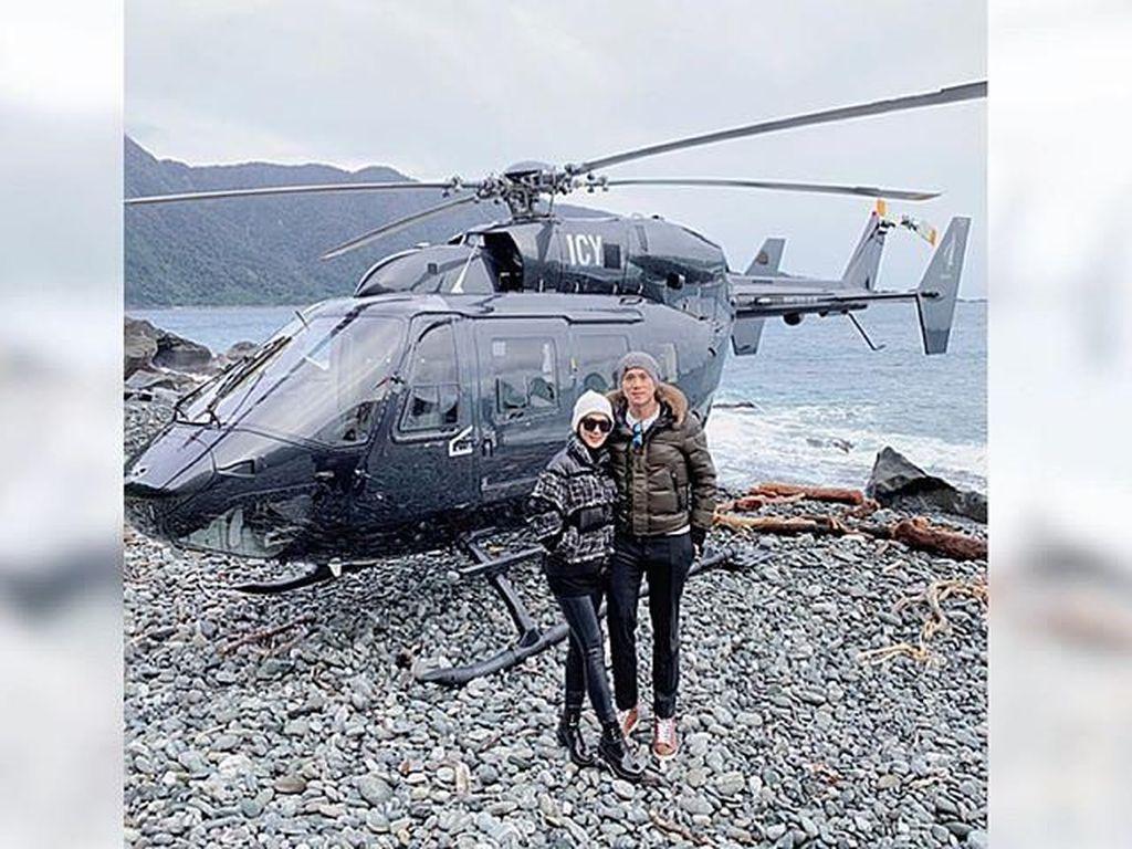 Berlibur ke New Zealand, Syahrini Pakai Jaket Seharga Mobil