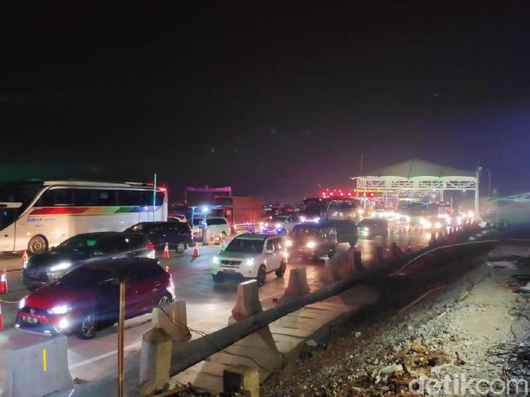 Lalin Arah Jakarta Padat, One Way Cikampek-Cikarang Berlaku Pukul 20.00