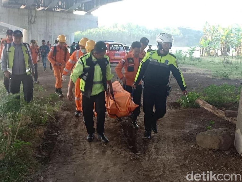 Istirahat di Jembatan Cimanuk, Pemudik Asal Jambi Tewas Tenggelam
