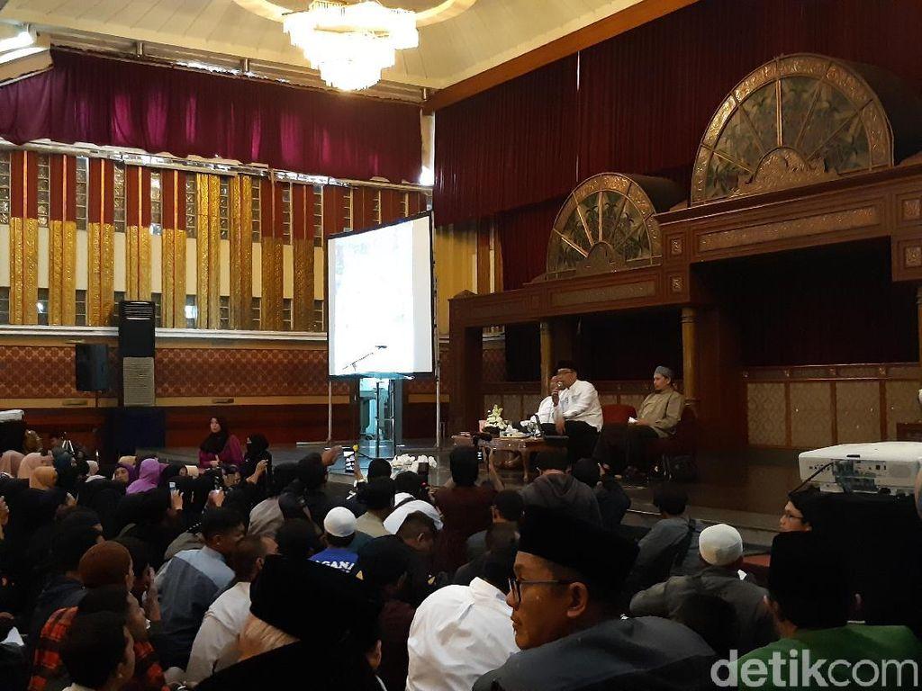 Ridwan Kamil dan Rahmat Baequni Bahas Kontroversi Masjid Al Safar