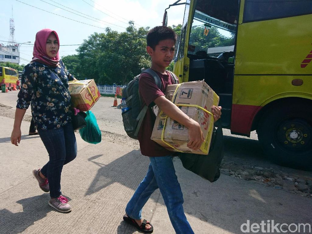 Arus Balik H+5 Lebaran, 16 Ribu Orang Naik Bus dari Terminal Merak
