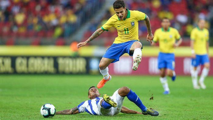 Aksi playmaker Timnas Brasil Philippe Coutinho di laga melawan Honduras. (Foto: Lucas Uebel/Getty Images)