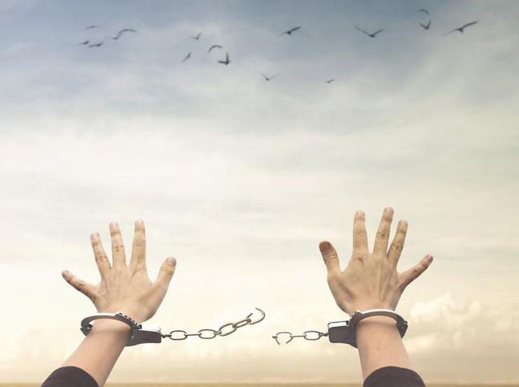 Jalan Beda Para Napi Asimilasi: Yang Bertobat hingga Berulah Lagi