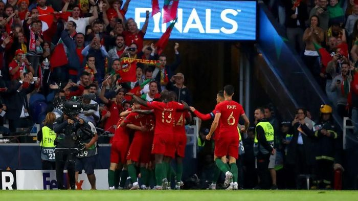 Timnas Portugal merayakan gol Goncalo Guedes yang menjadi penentu kemenangan 1-0 atas Belanda di final UEFA Nations League. (Foto: Dean Mouhtaropoulos/Getty Images)