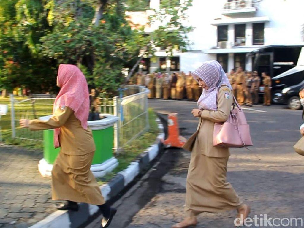 Usai Libur Lebaran, Sejumlah Pegawai Pemkot Makassar Terlambat Upacara