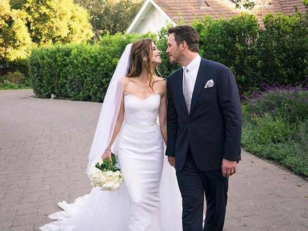 Selamat! Istri Chris Pratt Hamil Anak Pertama