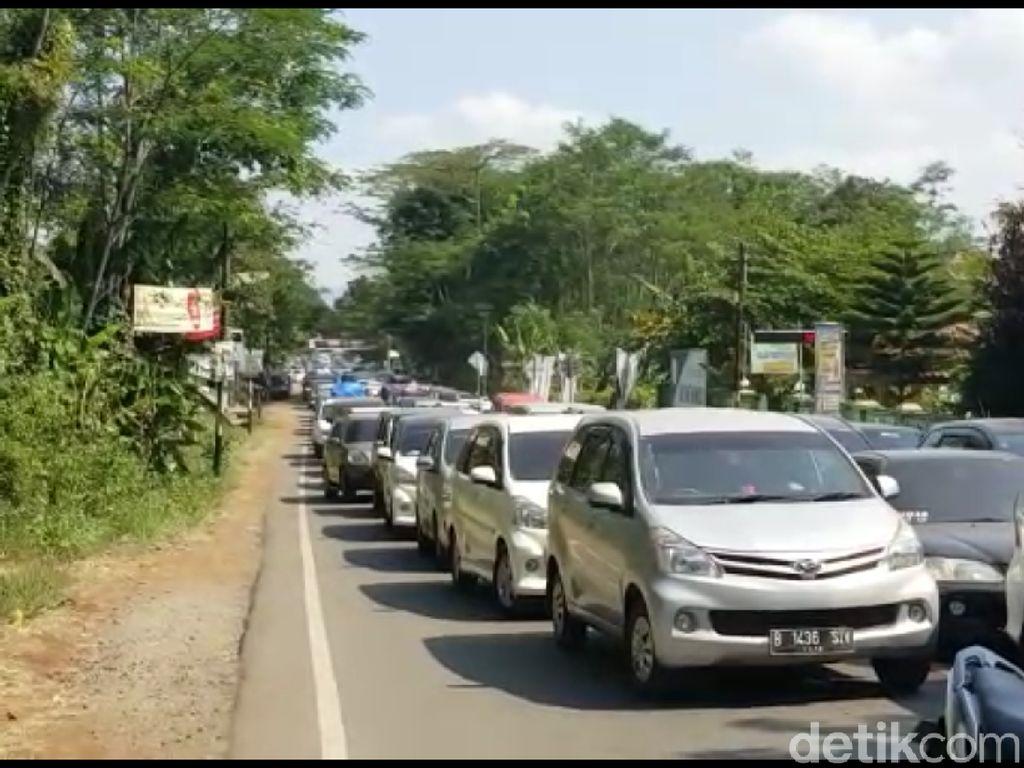 Jalur Tegal-Banyumas Masih Dipadati Kendaraan Pemudik Arah Jakarta