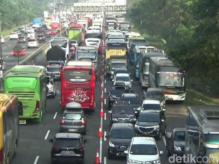 Bukan Bus, Orang Brebes dan Tegal Pilih Mobil Pribadi saat Mudik