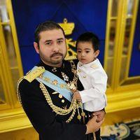 Nge-tweet Soal Baju Bangsawan, Pangeran Malaysia Makara Kontroversi