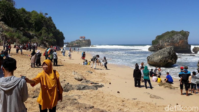 Foto: pantai ngrawe gunungkidul (Pradito Rida Pertana/detikTravel)