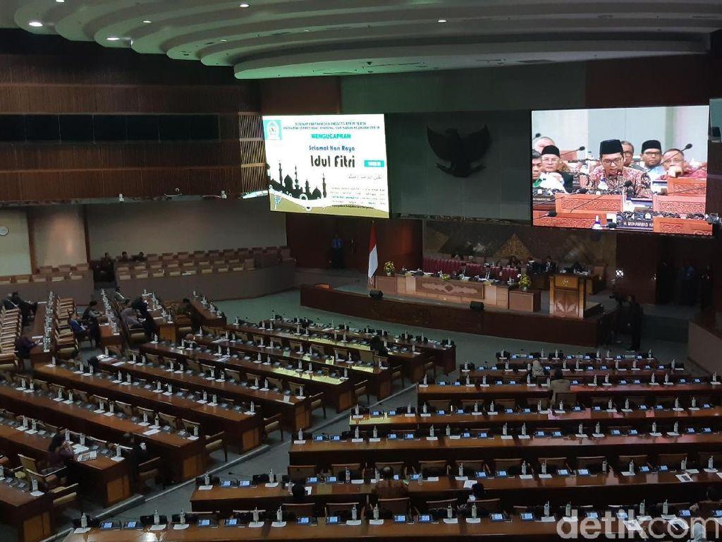 342 Anggota Dewan Absen di Rapat Paripurna Hari Ini