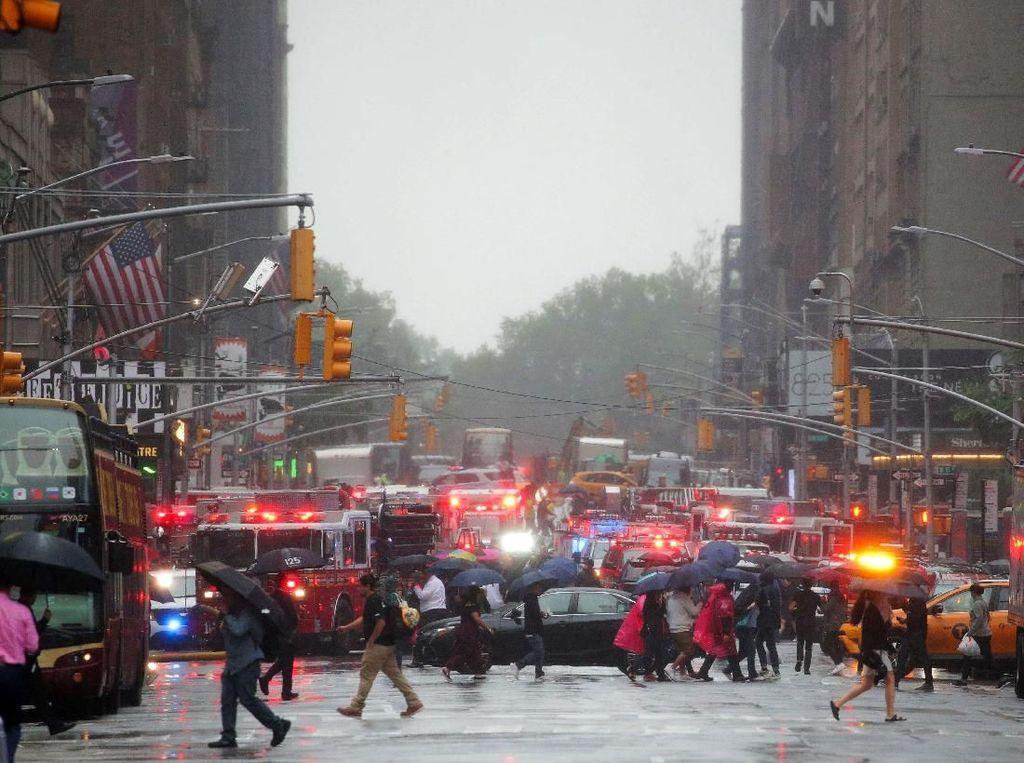 Kepanikan Saat Helikopter Jatuh di Atap Gedung Manhattan