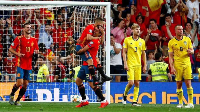 Pemain Timnas Spanyol saat mengalahkan Swedia. (Foto: Juan Medina / Reuters)