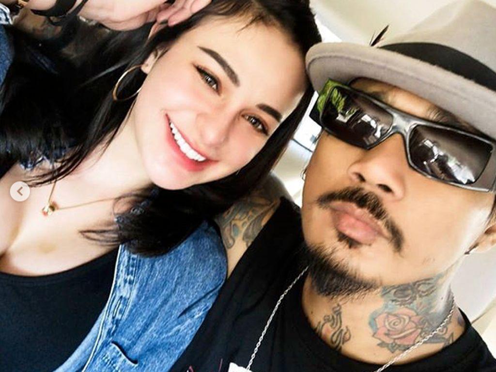 Nora Alexandra Diminta Setia dengan Jerinx SID