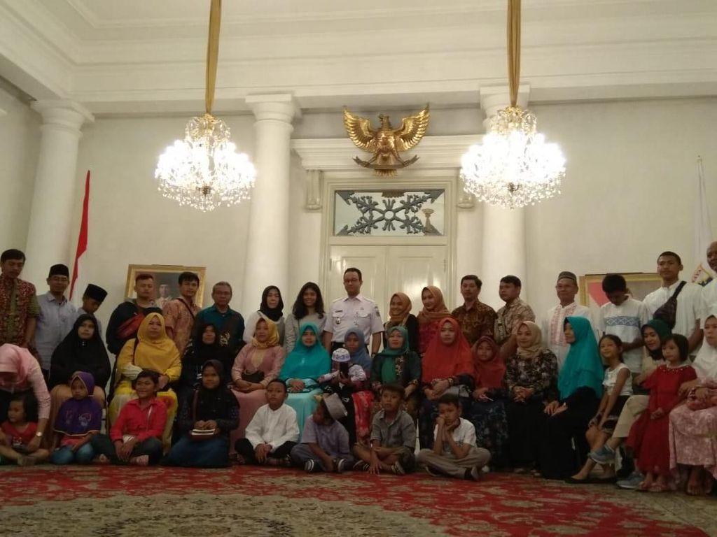 Balik ke Jakarta, Peserta Mudik Gratis Diterima Anies di Balai Kota