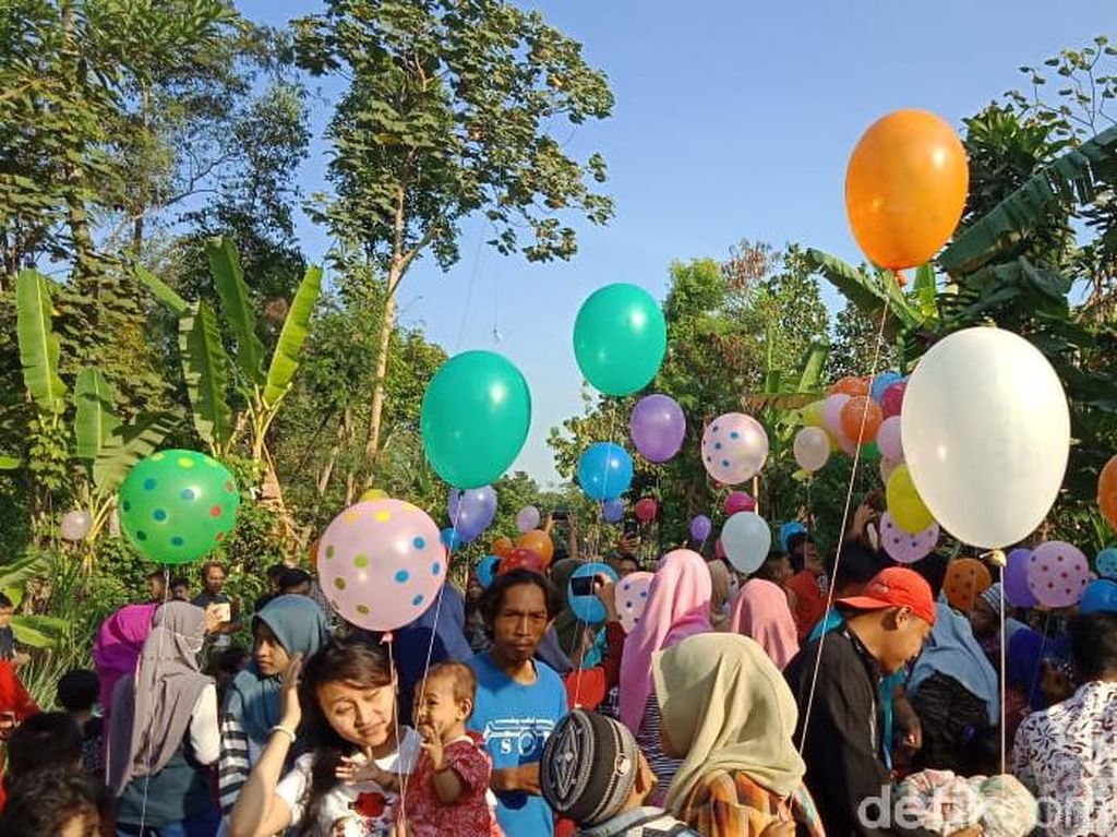 Kecewa Dilarang Terbangkan Balon Udara, Warga Kediri Lakukan Ini