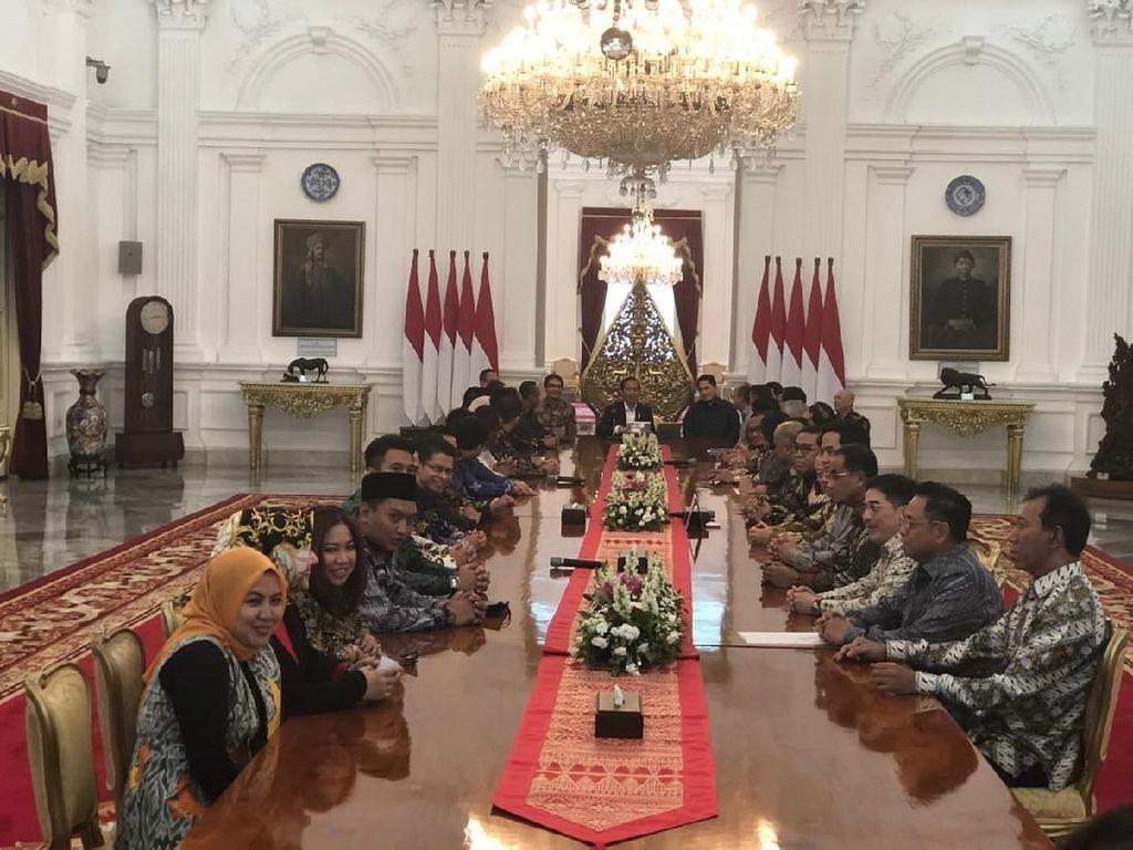 Pengusaha Nasional Temui Jokowi di Istana, Ada Apa?
