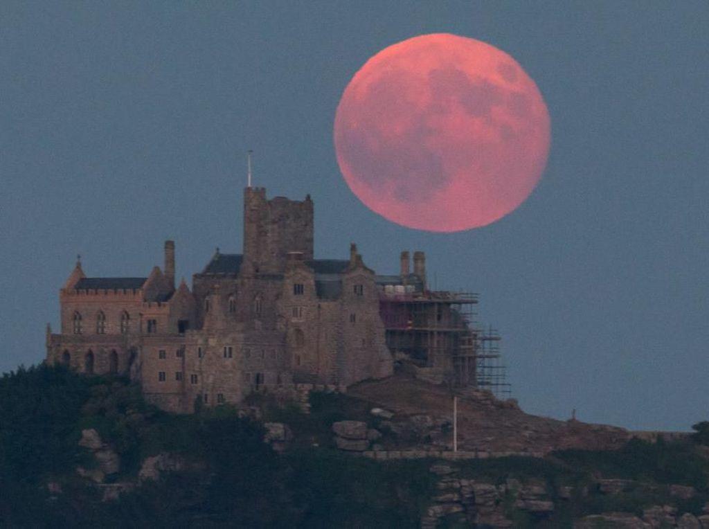 Fenomena Strawberry Moon Terjadi pada 5 Juni, Puncaknya 6 Juni