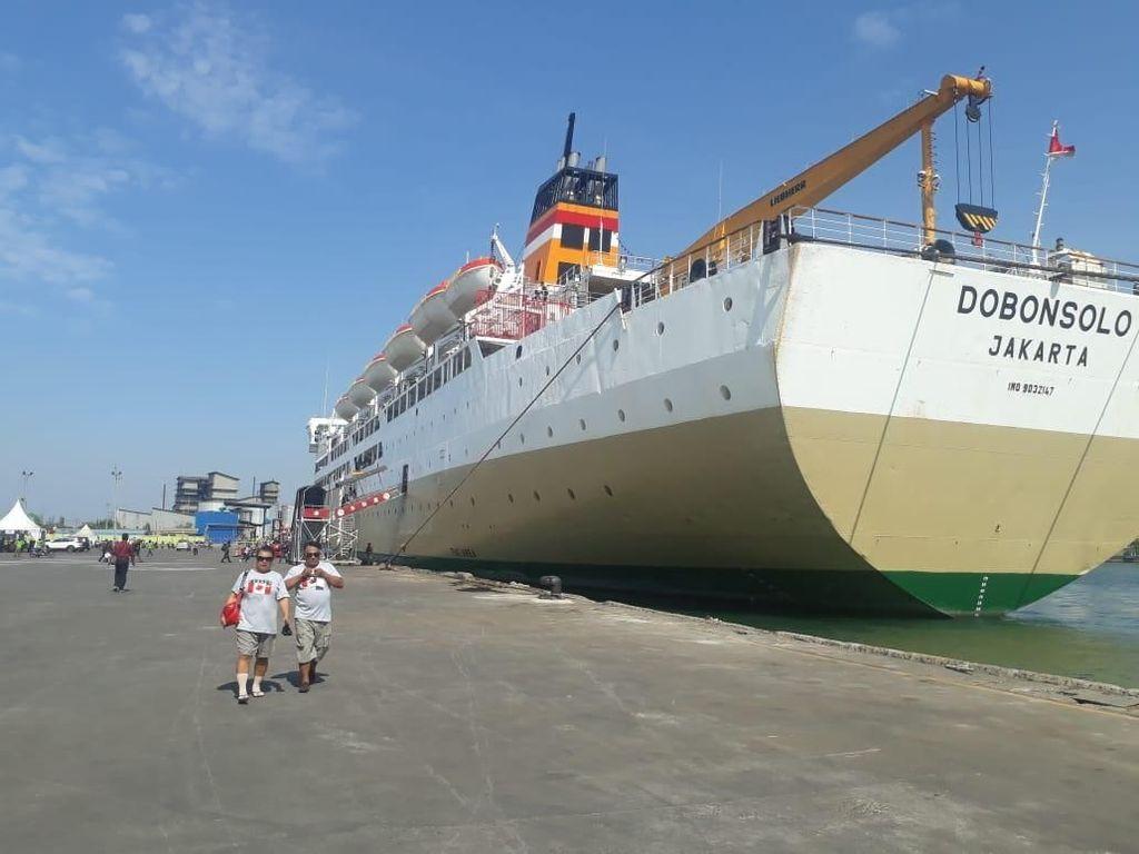 1.775 Pemudik Gratis Kembali ke Jakarta dengan Kapal KM Dobonsolo