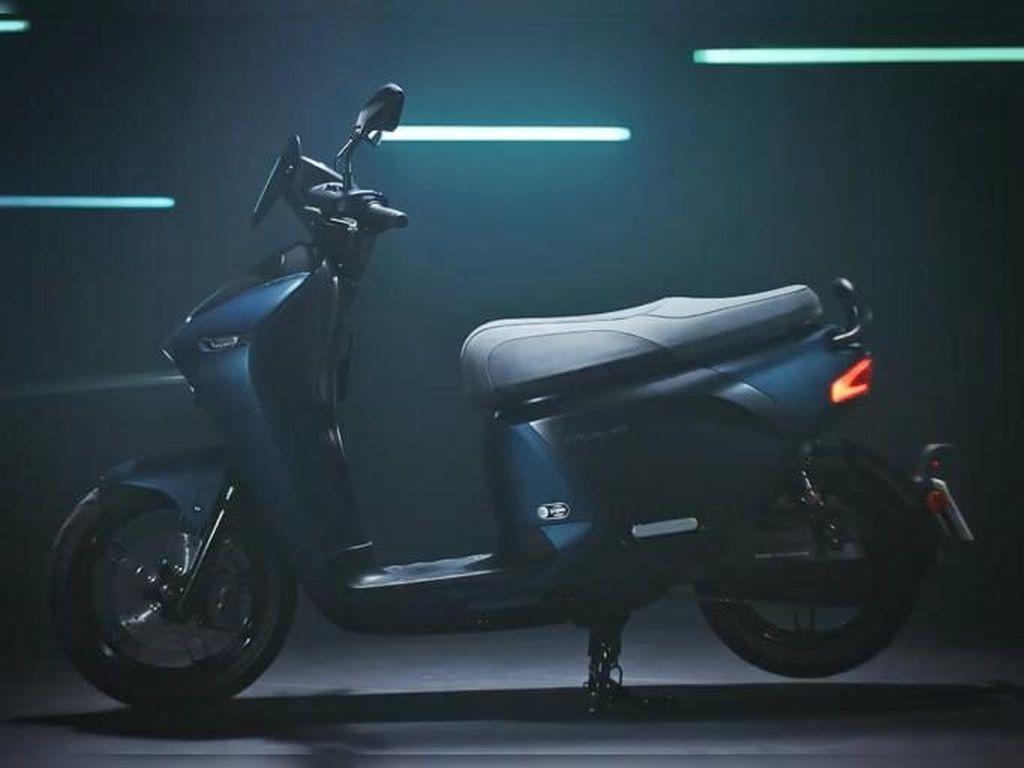 Kerjasama dengan Gogoro, Yamaha Bikin Skuter Listrik EC-05