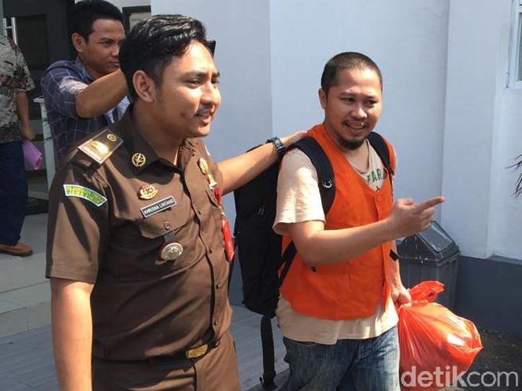 Pejabat Bulog Ditahan Diduga Korupsi Hasil Penjualan Senilai Rp 1,6 Miliar