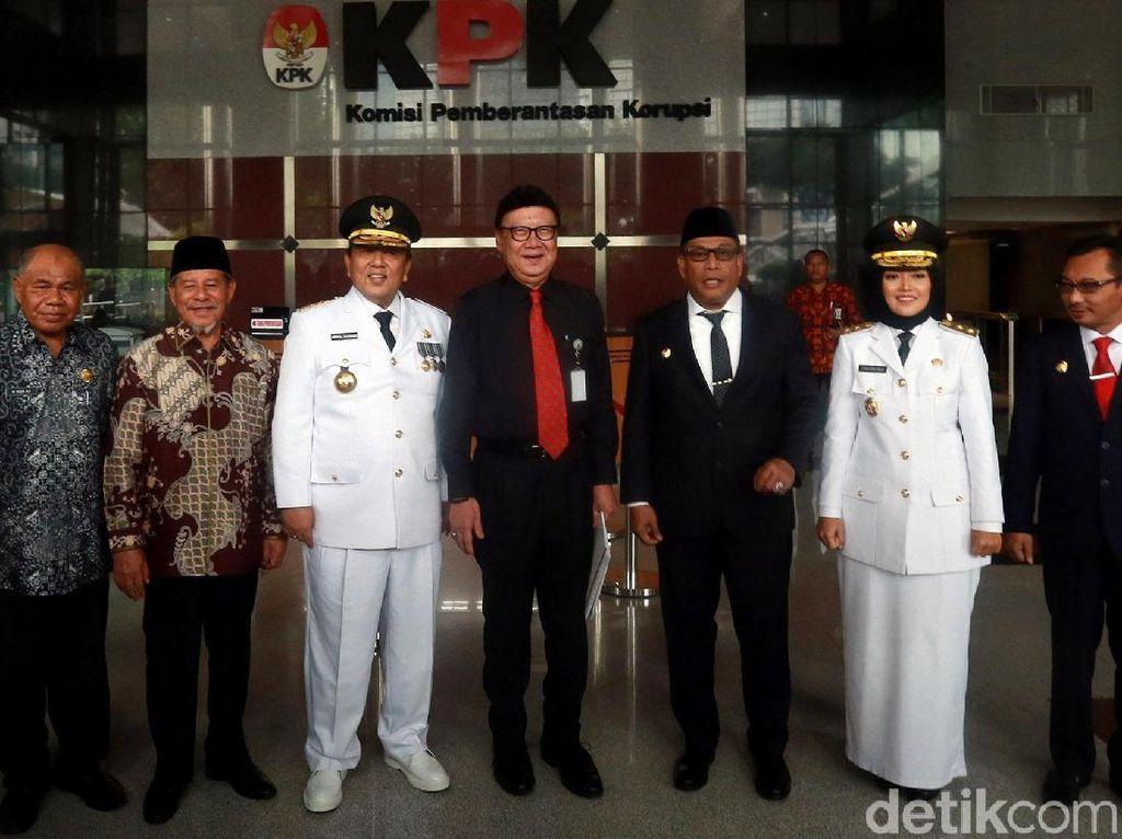 Mendagri Ajak 3 Gubernur-Wagub Baru ke KPK untuk Cegah Korupsi