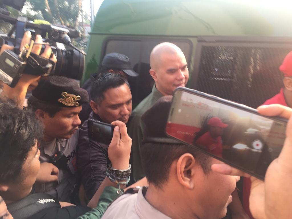 Ahmad Dhani Pindah ke Rutan Cipinang dan Mulan Jameela yang Lepas Rindu