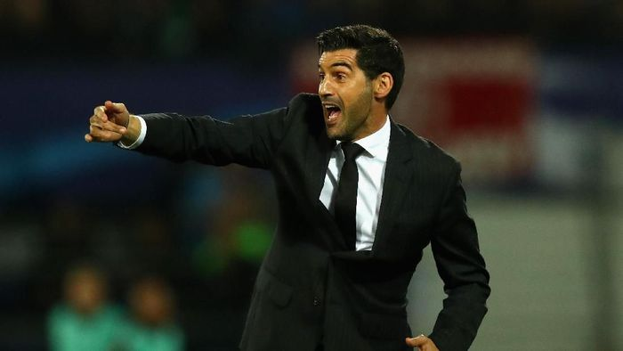 Paulo Fonseca ingin AS Roma tampil berani. (Foto: Dean Mouhtaropoulos/Getty Images)