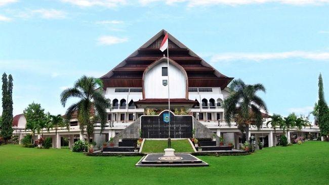 Berita DPRD NTB Setujui Anggaran Pembangunan Jalan Provinsi Rp 750 M Selasa 18 Juni 2019