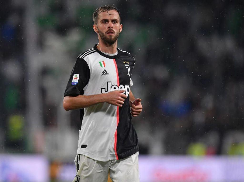 Tepis Rumor Transfer, Pjanic Tegaskan Bahagia di Juventus