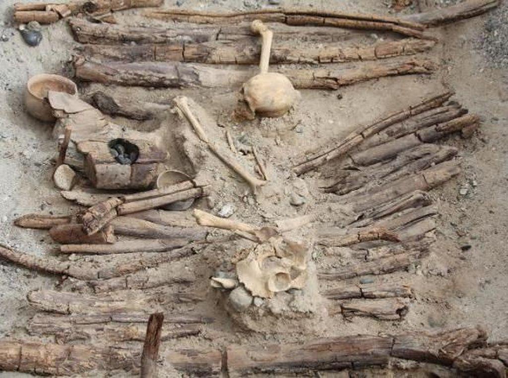 Ganja dan Makam Misterius di Pedalaman Himalaya