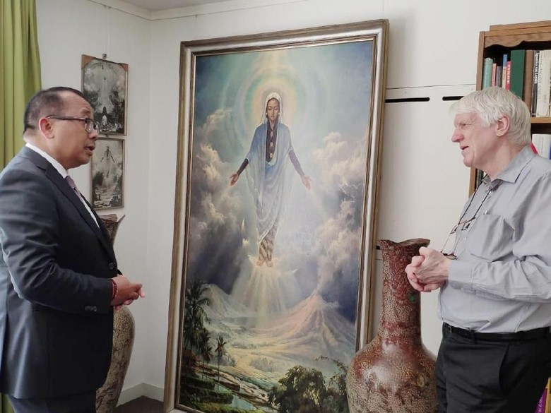 Disimpan di Gudang, Lukisan Bunda Maria Jawa dalam Kondisi Baik