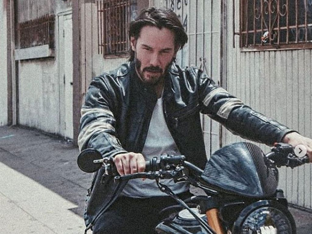 Bos Marvel Tertarik Bikin Keanu Reeves Jadi Superhero