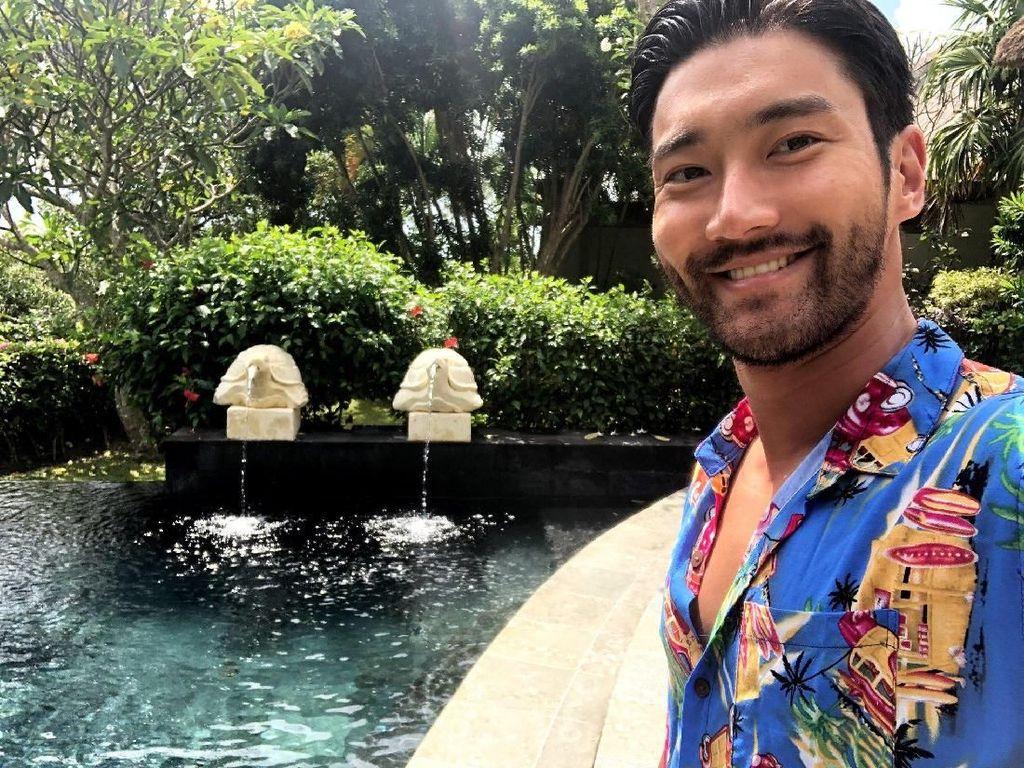 Wuiw! Siwon SuJu Lagi Liburan di Bali