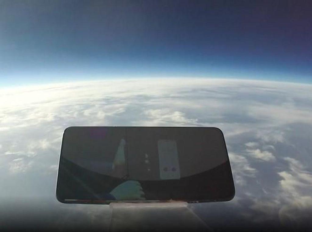 Saat iQOO-nya Vivo Terjun Bebas dari Ketinggian 31 Ribu Meter