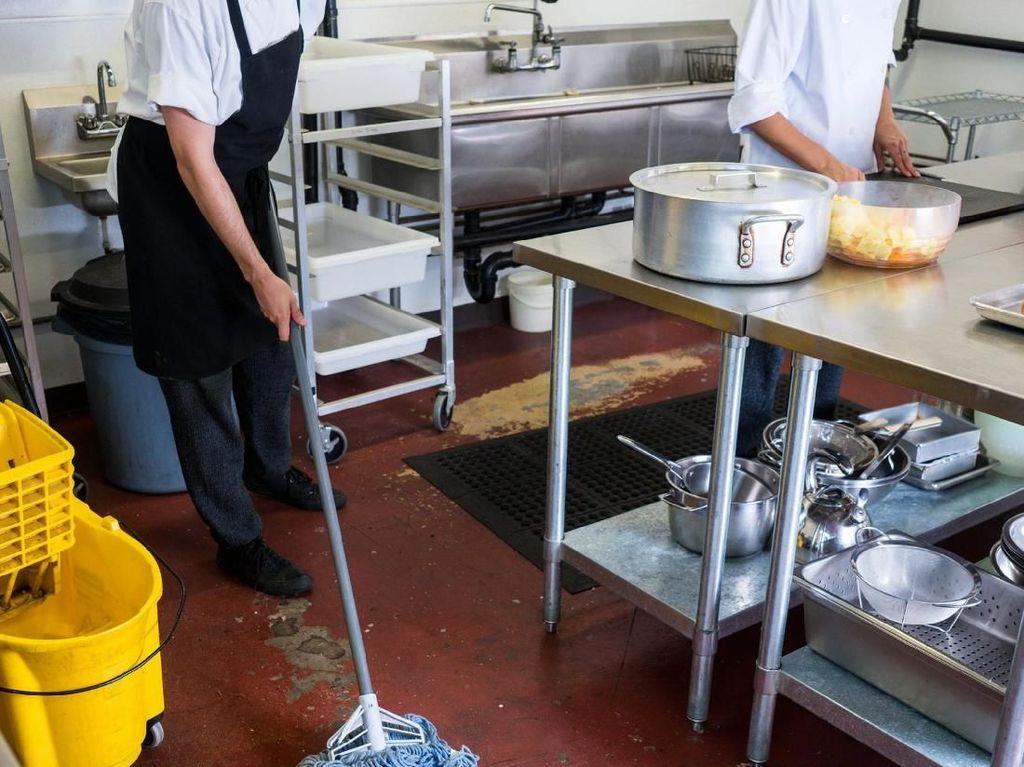 Hii..! Ada Tetesan Darah Manusia Dari Atap Restoran Makanan Thailand Ini