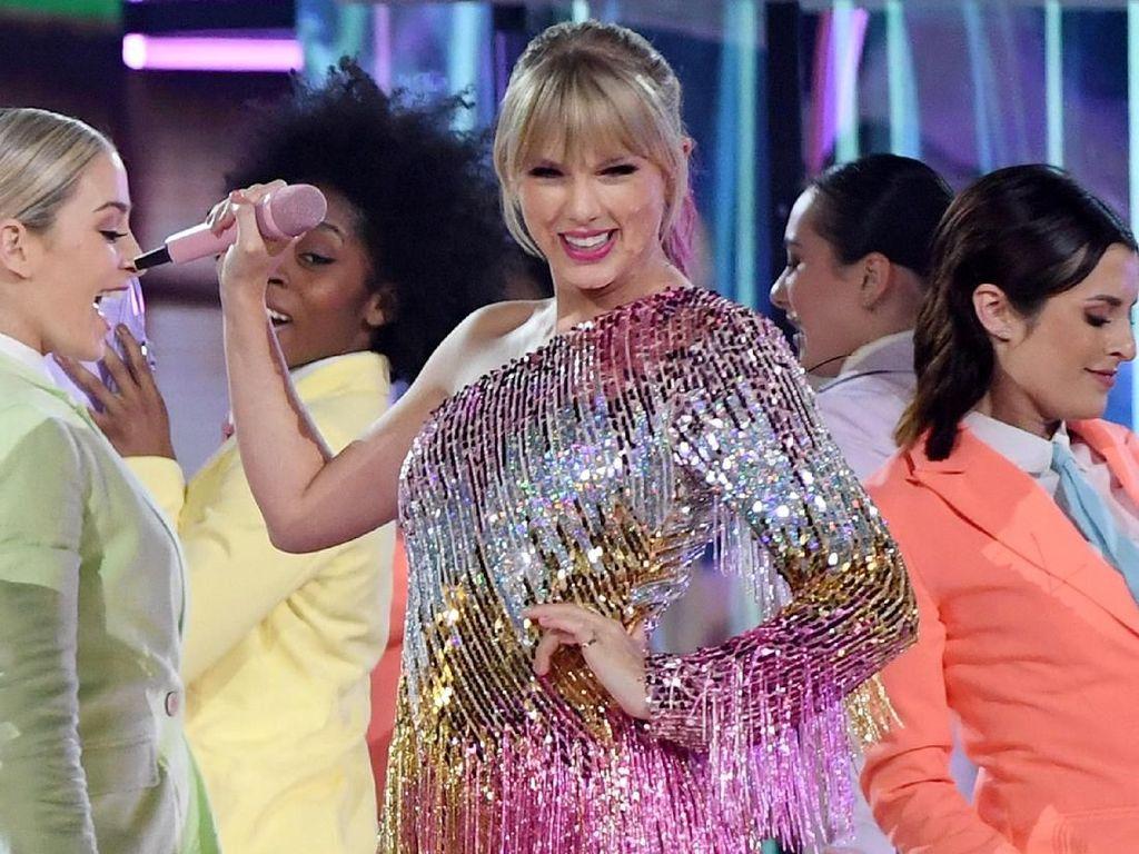 Taylor Swift Beri Bocoran Judul Album Barunya, Mau Tahu?
