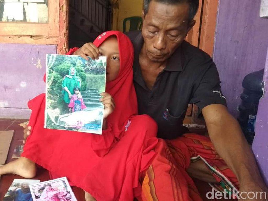 Cerita Bocah SD Rawat Ayah Lumpuh Terdengar ke Telinga Bupati Lamongan