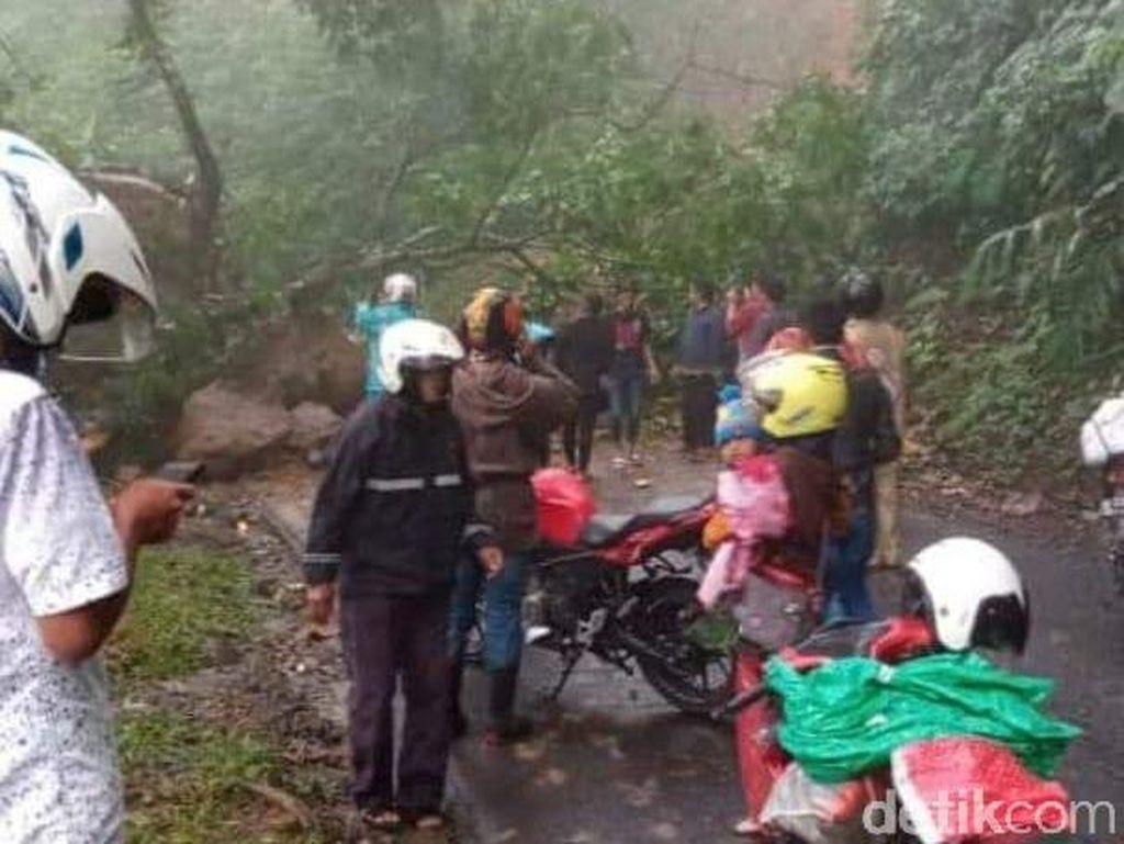 Longsor di Piket Nol, Jalur Lumajang-Malang Sempat Tersendat