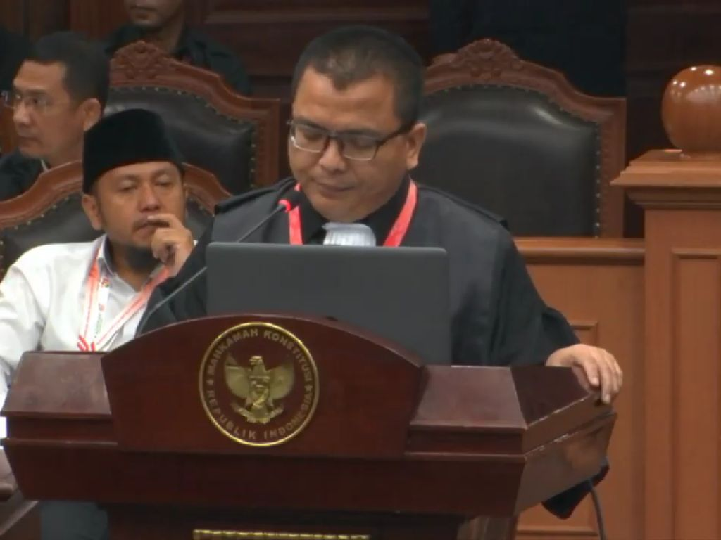 Baca Gugatan Pilpres, Denny Indrayana: Jokowi Abuse of Power