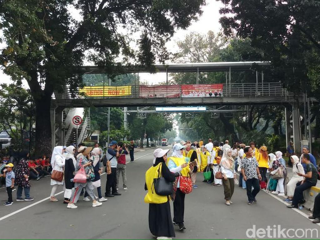 Sidang Gugatan Pilpres Diskors, Massa Aksi Jeda untuk Salat Jumat