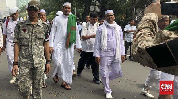 Istana Serahkan Masalah Izin FPI kepada Mahfud dan Tito