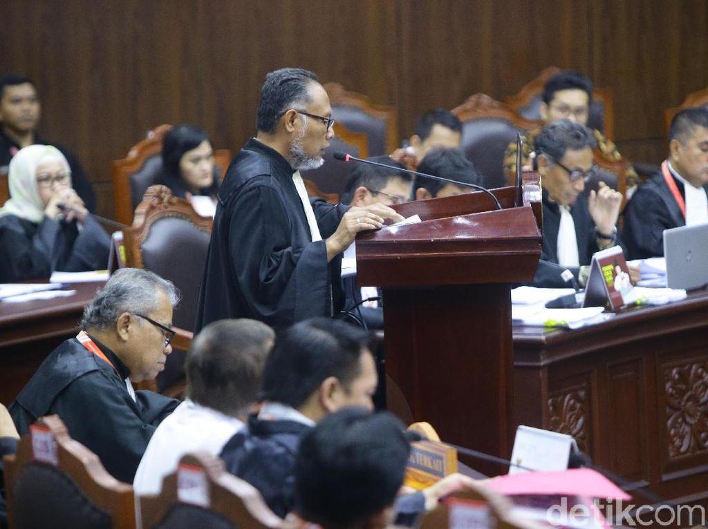 Di MK, Tim Prabowo Bicara Cara 01 Samarkan Sumber Dana Kampanye