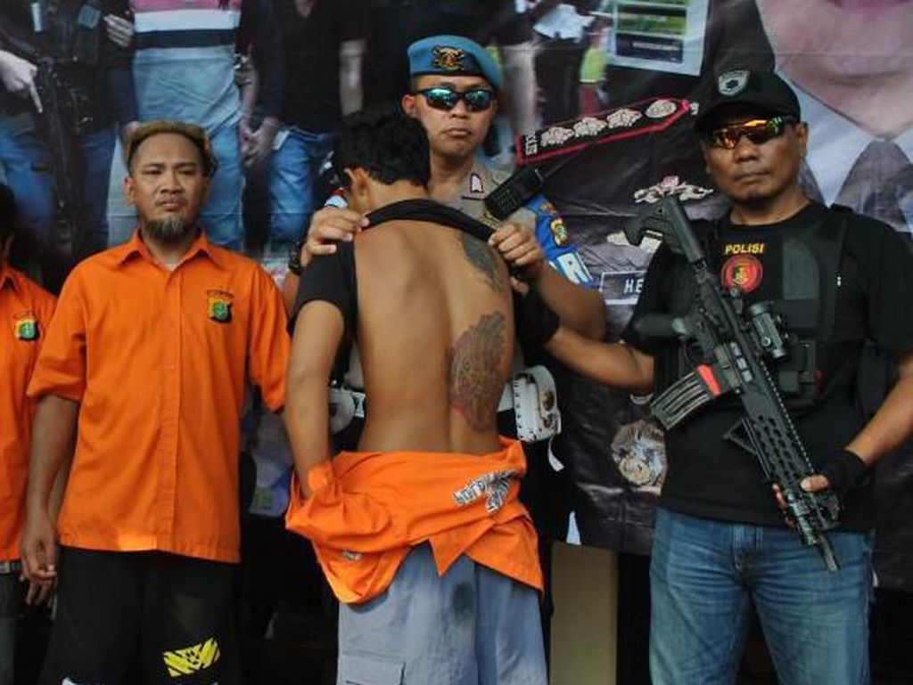 Polisi: Penjarah Mobil Brimob Diorder untuk Merusuh, Dibayar Rp 300 Ribu