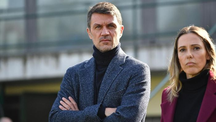 VERCELLI, ITALY - FEBRUARY 17:  Paolo Maldini (L) AC Milan looks on during the Women Serie A match between Juventus Women and AC Milan at Stadio Silvio Piola on February 17, 2019 in Vercelli, Italy.  (Photo by Valerio Pennicino/Getty Images)