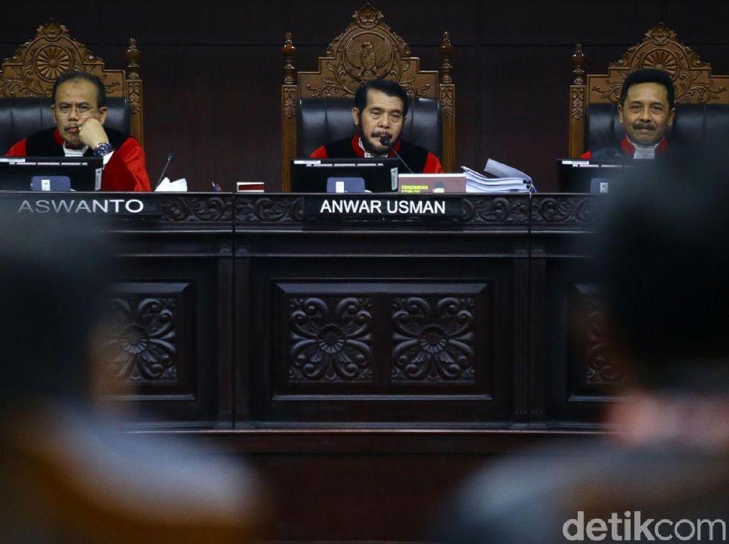 MK Hanya Beri Waktu Pembuktian ke Prabowo-KPU-TKN Masing-masing 1 Hari